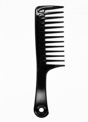 Plačiadantės šukos garbanotiems plaukams